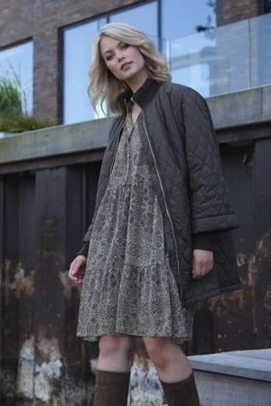 PREPAIR – Kjole i chiffon med print