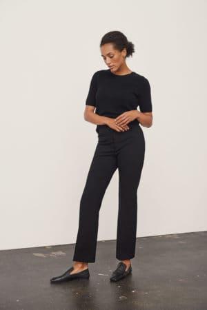 PART TWO – Bukser i ensfarvet sort