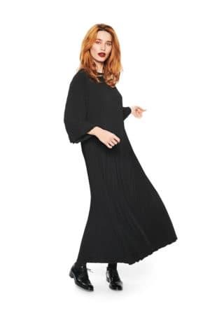 BITTE KAI RAND – Lang kjole i plissé